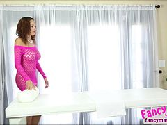 Brunette and sexy Serena ali works her magic on Antonio Ross
