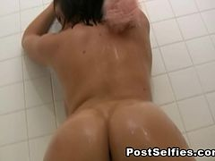 Horny Wife Filmed By Neighbor While Naked Inside The Bathtub