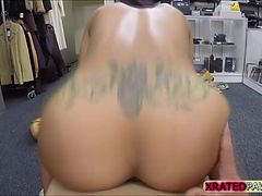 Muscled Chick gets pawned in hardest way inside a pawnshop